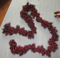 Bufanda de ganchillo negro-rojo