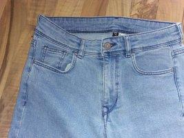 H&M Divided Jeansy z prostymi nogawkami jasnoniebieski-stalowy niebieski