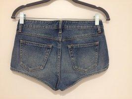 Short jeans ...