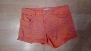 Shorts in schönem Orange