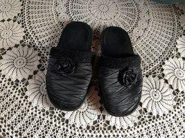 Scuffs black