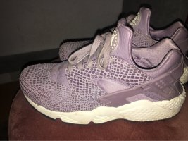 Sie Huarache by Nike in lila Muster