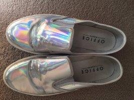 Silber schimmernde Schuhe in Metalliclook von Office London
