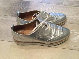 Silberfarbene Loafers