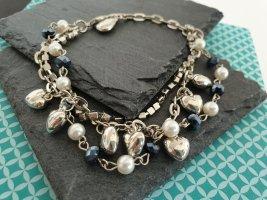 Silberfarbenes Armband mit Perlen, Herzen, Strass Schmuck