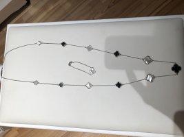 Silberne Kette mit Armband
