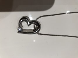 Silberne Kette mit Herz