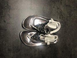 Silberne Sandalen