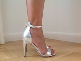 Sandalias de tiras color plata