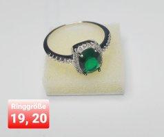 Silberring mit grünem CZ
