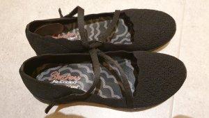 Skechers Baleriny z rzemykami czarny