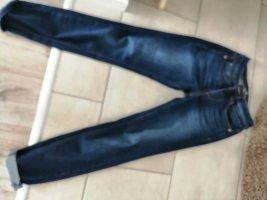 skinny jeans Alexa