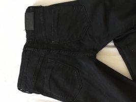 Skinny Jeans mit Cuts