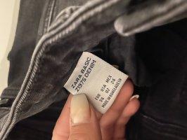 Skinny Jeans mit Lochdetails von ZARA