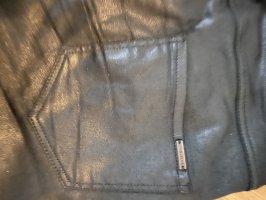 Mango Dopasowane jeansy czarny