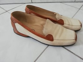 Zapatos formales sin cordones coñac-beige