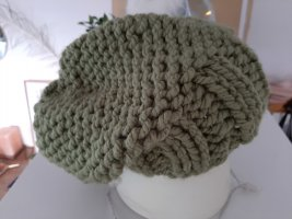 Cappello a maglia verde prato Acrilico