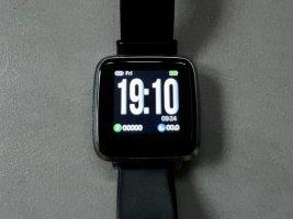 Montre avec bracelet métallique argenté-noir