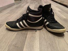 Adidas Slip-on Sneakers black-white