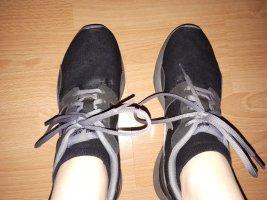 Nike Lace-Up Sneaker black-dark grey
