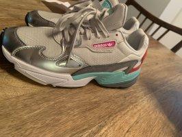 Adidas Sneaker con tacco multicolore