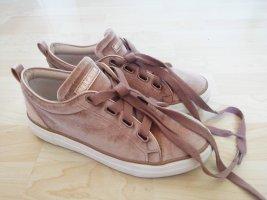 Sneaker aus Samt