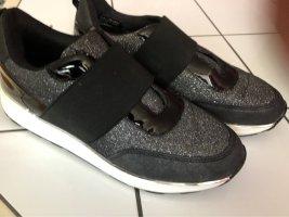 Sneaker glänzend schwarz