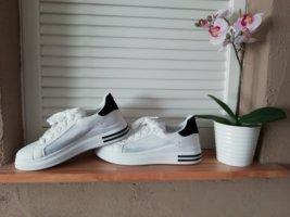 Sneaker Gr. 40