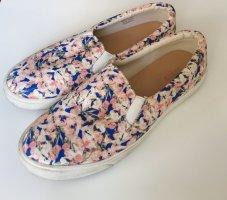 Sneaker mit Blumenprint