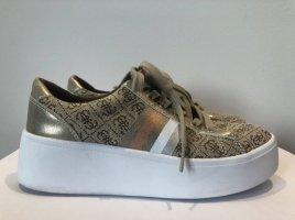 Sneaker mit Plateau von Guess