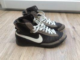 Sneaker Nike Gr 39