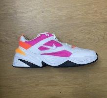 Sneaker Nike Tekno