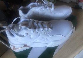 Sneaker Puma Nova