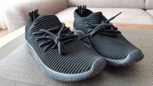 Sneaker schwarz   NEU