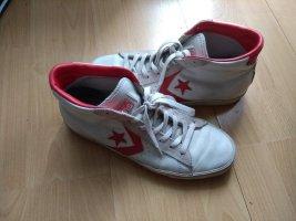 Sneaker Turnschuhe / Converse Chucks / 42