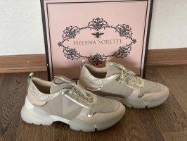 Sneaker von Helena Soretti