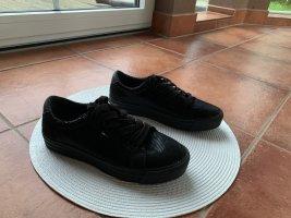 Sneaker von Hilfiger