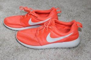 • Sneaker von Nike