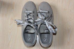 Puma Skater Shoes khaki