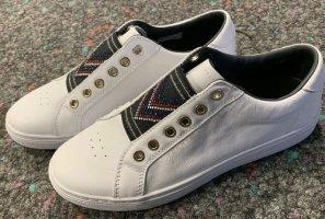 Sneaker von Tommy Hilfiger mit Strasssteinchen Gr. 40