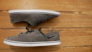 Sneaker - weiches Nubuk Leder - fast wie neu