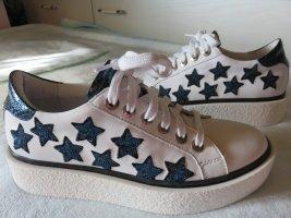 Sneaker weiß mit Sternen , NEU !! Größe 39   !! ENDET 30.4. !!!