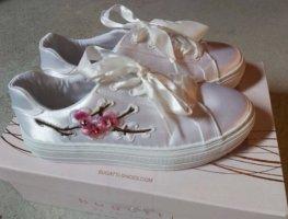 Sneakers neu