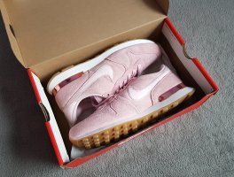 Sneakers Nike Wmns Internationalist SD Prism Pink Gr. 42