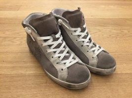 Sneakers Used-Look, Rauhleder, getragen, Gr. 38