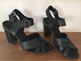 Sommer-Leder-Heels