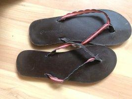 womens secret Flip-Flop Sandals brick red-black