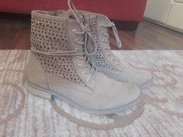 Marco Tozzi Cut out boots licht beige