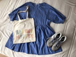 Sukienka z rękawem balonowym błękitny-kremowy