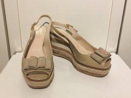 Sommerliche Keil-Sandaletten von Claudia Obert in Größe 38